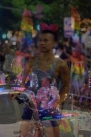 web-pride-parade-3